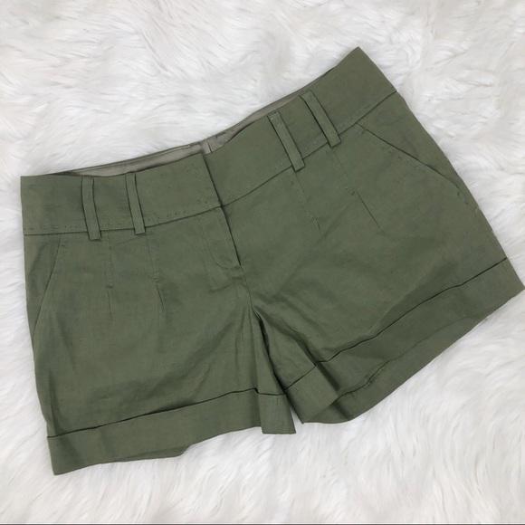 Elie Tahari Pants - Elie Tahari Cuffed Olive Green Shorts Size 6